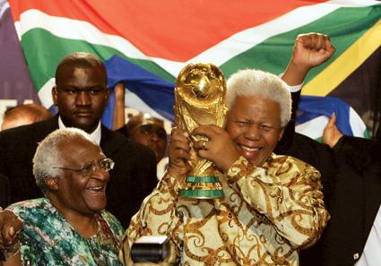 FBL-WC2010-AFRICA-MANDELA-TUTU